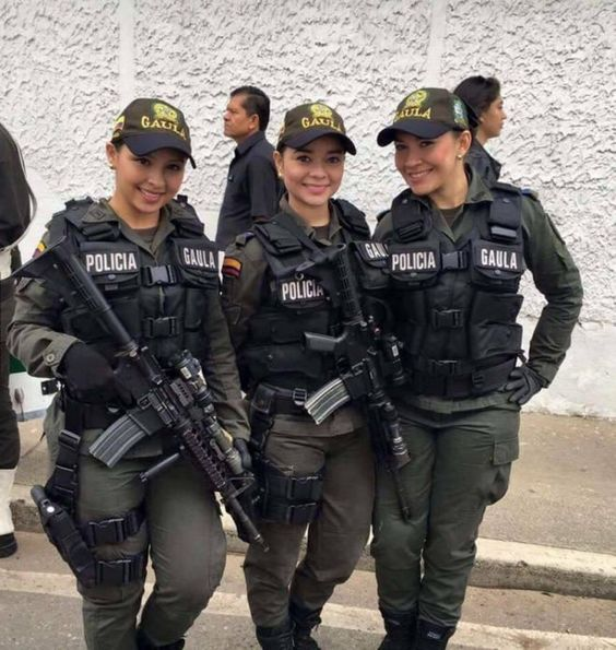 femmes policd colombie