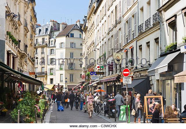 shops-and-restaurants-on-rue-buci-saint-germain-district-paris-france-c3wchx